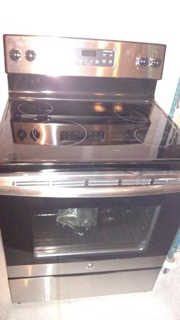 NEW GE STAINLESS STEEL 30 INCH FREE STANDING ELECTRIC RANGE